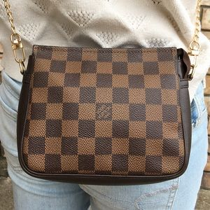 Louis Vuitton pouch pochette crossbody